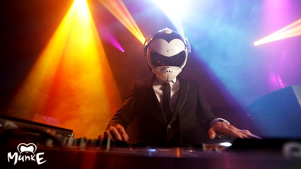 DJ MunkE